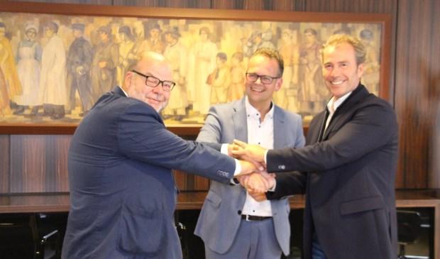 Willem Meijvogel (links), Jacco Knape en Dirk Bouman (rechts) zijn blij deze nieuwe stap.