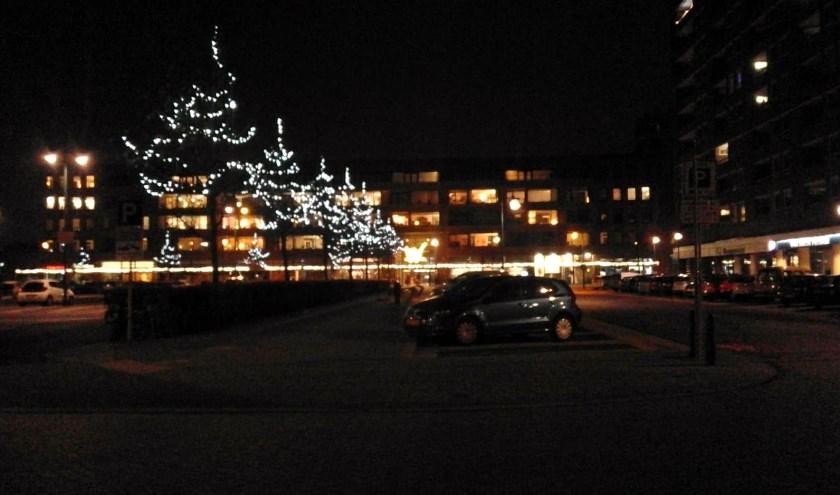 Nico Janssen (PrO) vindt dat er 's nachts meer bussen moeten rijden door de straten van Oegstgeest.   Foto Willemien Timmers