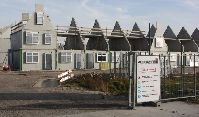 Volgens Paul Brandjes heeft ieder gezin in Noordwijk onnodig €550,- moeten bijdragen aan een cadeautje aan Van Rhijn Bouw. | Foto: WS