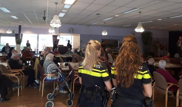 Politiestudenten organiseren een voorlichtingsmiddag over babbeltrucs. | Foto: pr.