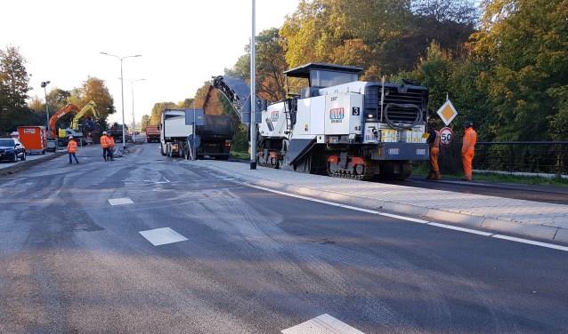 Na de wegwerkzaamheden aan de N444 is bij het vernieuwde fietspad geen verlichting aangebracht.