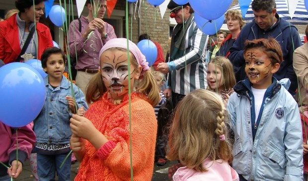 Feest bij de oprichting van PIKO in september 2007. | Archieffoto Willemien Timmers