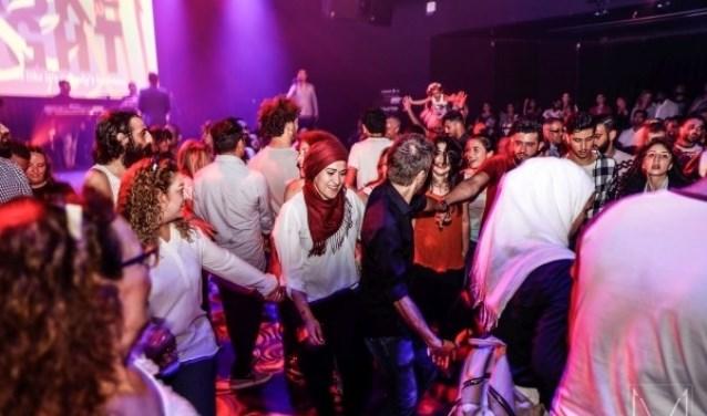 Dabke wordt gedanst op bruiloften en festivals.