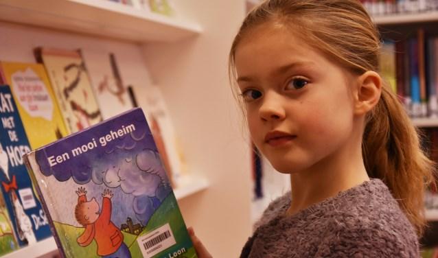 """De 8-jarige Fleur houdt van lezen. """"Lezen is belangrijk. Je hebt het altijd nodig."""""""