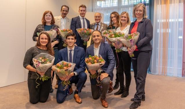 Burgemeester Emile Jaensch heette negen nieuwe Nederlanders welkom tijdens de naturalisatiebijeenkomst in het gemeentehuis. | Foto Wil van Elk