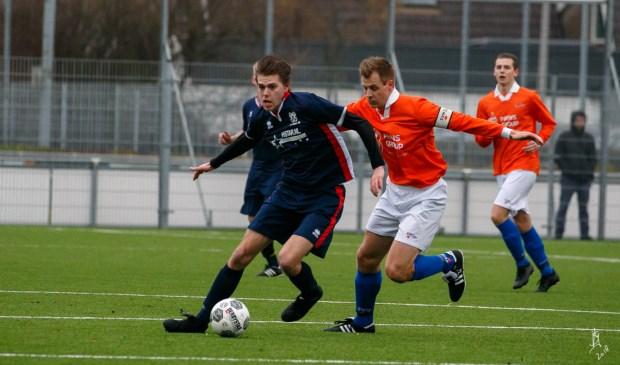 Balbezit door Valken in wedstrijd tegen SV Honselersdijk.