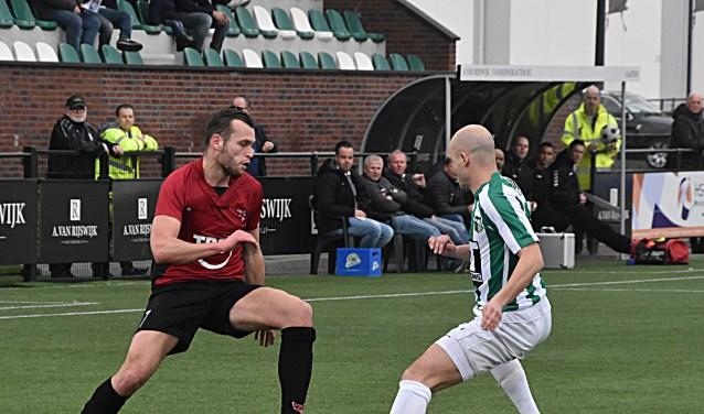 Arno Dijkstra in duel met Maarten Boddaert. | Foto: PR