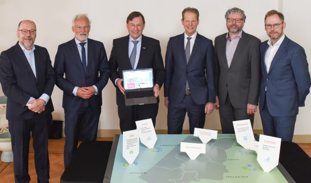 Vanaf links: Willy Spaan, Jan Rijpstra, Jan Bout, Arie van Erk, Marco Beijersbergen en Jos Vranken. | Foto: pr