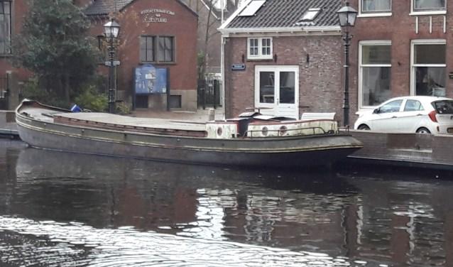 Wie weet er meer over dit scheepje Cornelia, ooit eigendom van de Rijnsburgse schipper Zandbergen.