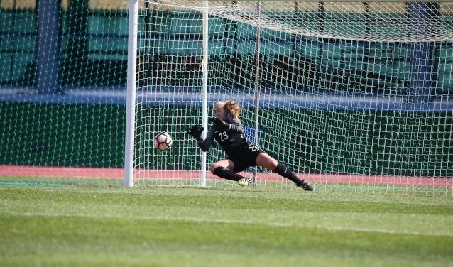 Lisanne Alkemade uit Lisse woont in Eindhoven, waar ze school met topsport combineert.