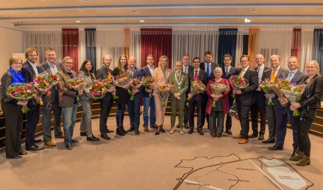 De nieuwe gemeenteraad van Oegstgeest. | Foto Wil van Elk