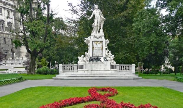 Mozart-standbeeld in Wenen, Oostenrijk.