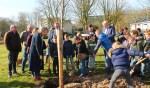 Klarinet-leerlingen planten bomen