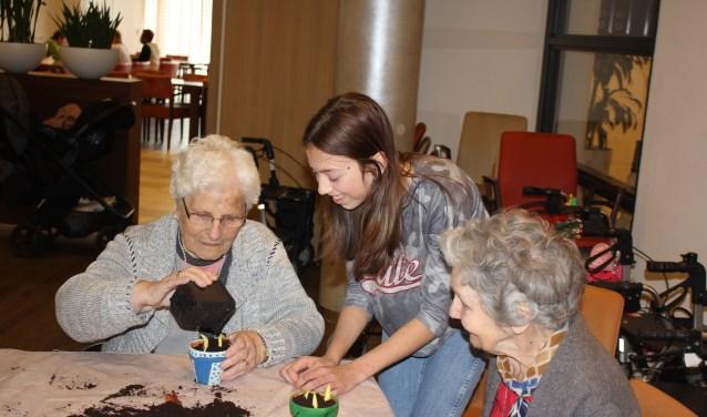 Het doel van de actie is om jongeren en ouderen te verbinden en dat is goed gelukt.