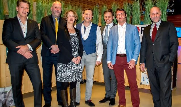 Alle lijsttrekkers op een rij. V.l.n.r. Jeroen Hendriks (D66), Hugo Langenberg (LPL), MIrjam van der Stelt (CDA), Bob Vastenhoud (GroenLinks), Geert Schipaanboord (ChristenUnie-SGP), Bart Hoenen (VVD) en Olaf McDaniel (PvdA).