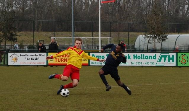 Bren Zonneveld maakte de 3-1 voor Van Nispen. | Foto: Trudy van den Berg