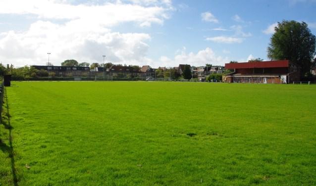Het voormalige ASC-terrein aan de Duivenvoordestraat waar gebouwd moet gaan worden. | Archieffoto Willemien Timmers