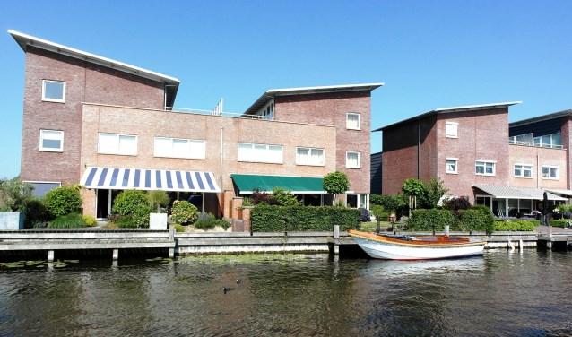 Aan de Veilingkade in Katwijk aan den Rijn staat twee miljoenenwoningen te koop.