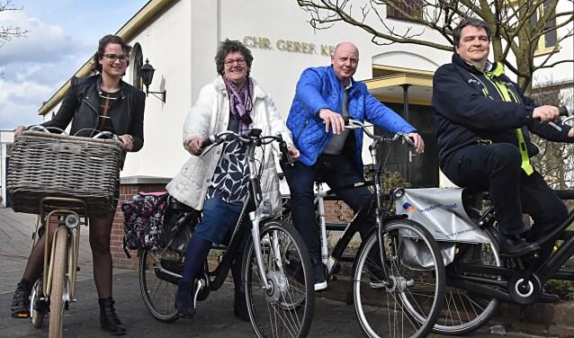 Op de foto v.l.n.r.: Lisa Kramer, Marjan de Mooy, Marcel van der Burg en Cor de Mooy klaar voor de start.