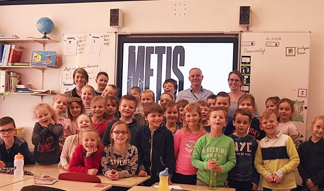 Een aantal leerlingen van de Wilhelminaschool die betrokken zijn bij de film METIS.