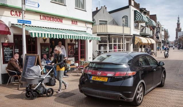 De horeca-ondernemers willen de Voorstraat ook autoluw. | Foto: Adrie van Duijvenvoorde