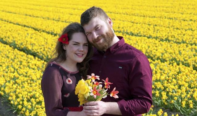 Suzanne van Teijlingen en Jaap van Eeden oefenen vast voor hun huwelijksreportage op 19 mei aanstaande. | Foto: Willem Krol