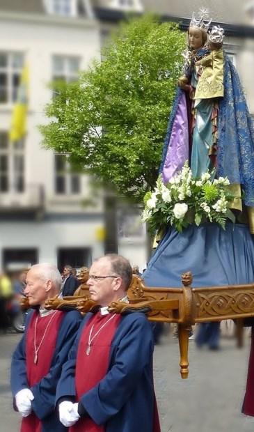 Eens in de zeven jaar verzamelen duizenden pelgrims uit het hele land zich om de Heiligdomsvaart in Maastricht mee te maken. | Foto: pr.