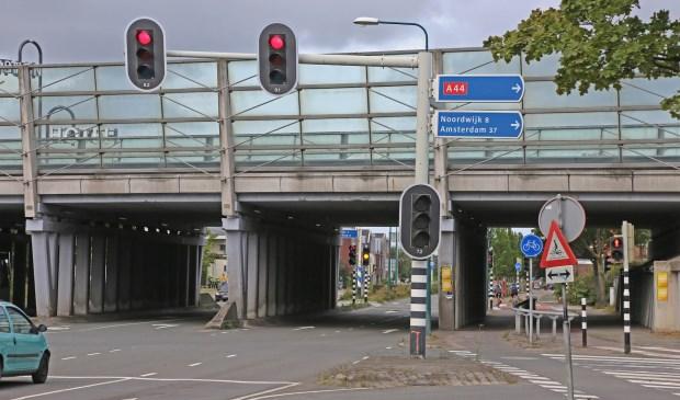 Dit weekend is het kruispunt A44-Rijnzichtweg afgesloten. | Foto Facebook OEGST