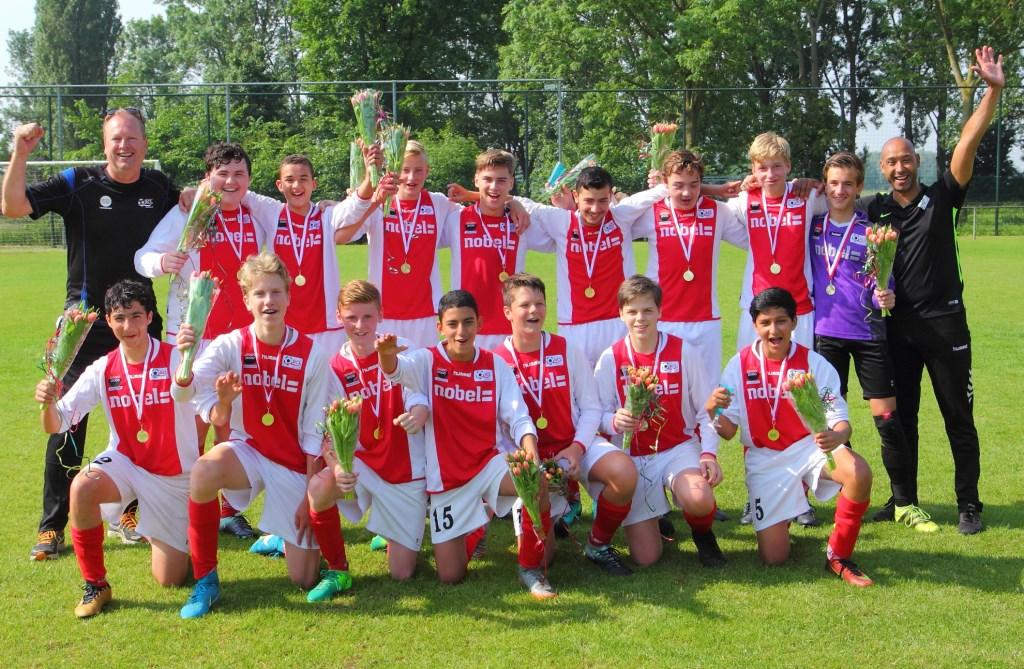 RCL JO1503 Foto: PR © uitgeverij Verhagen