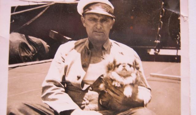 Koopvaardijman Kees van Velzen (1903-1976) voer in 1942 als kok op de KW 134.