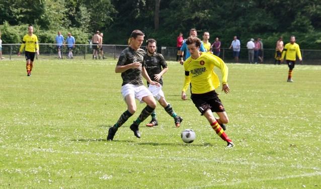 Abel Bormans op weg naar zijn volgende doelpunt.   Foto Leo van den Broek