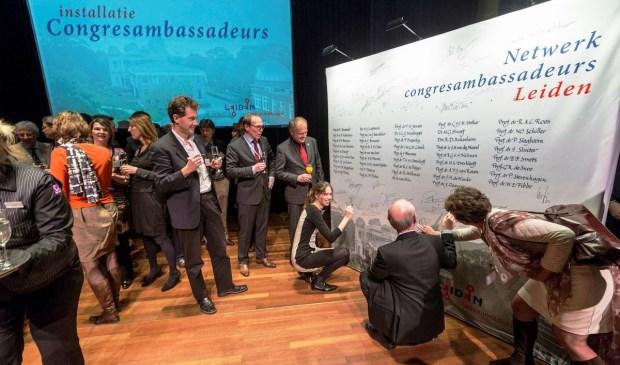 'Het congres ambassadeursnetwerk werpt haar vruchten af, zonder deze zo belangrijke ambassadeurs zou deze groei niet gerealiseerd zijn', aldus Yvonne Kret, manager Leiden Convention Bureau. | Foto PR