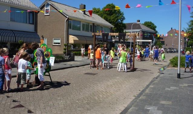 De Karel Doormanstraat is weer het decor voor de buitenspeeldag.