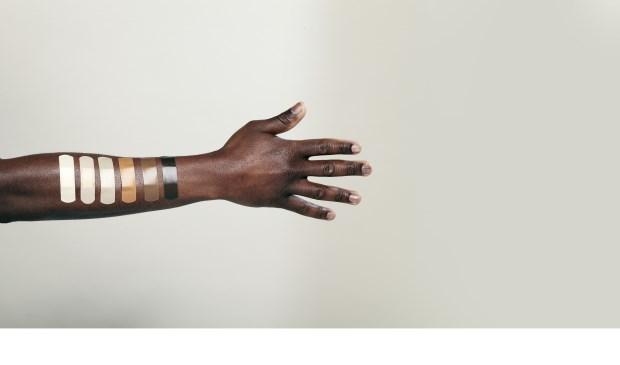 Voortaan is er wat te kiezen in pleisters, want niet iedere huidskleur is immers hetzelfde.