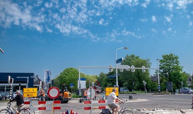 De kruising Acacialaan-Persant Snoepweg-Van der Valk Boumanweg wordt volledig op de schop genomen.