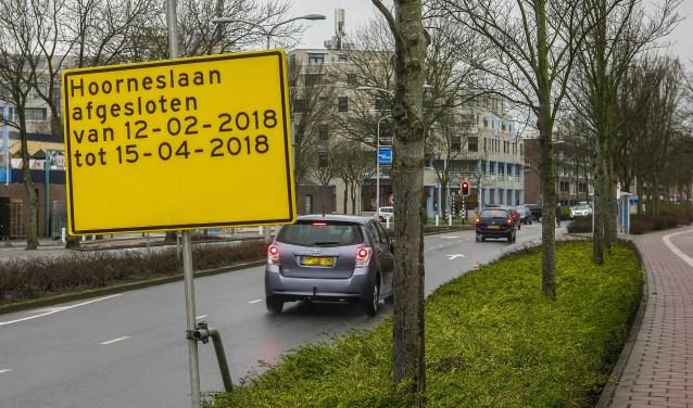 Tussen de Piersonstraat en de Melkweg krijgt de Hoorneslaan nieuw asfalt.