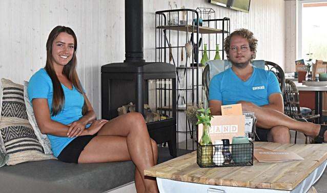 Dirk en Ilona Schipper in hun nieuwe paviljoen ZAND.