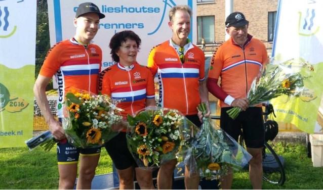 Burgemeester Arie van Erk van Hillegom won het kampioenschap vorig jaar, samen met gemeentesecretaris Jan Schellevis (Lisse).