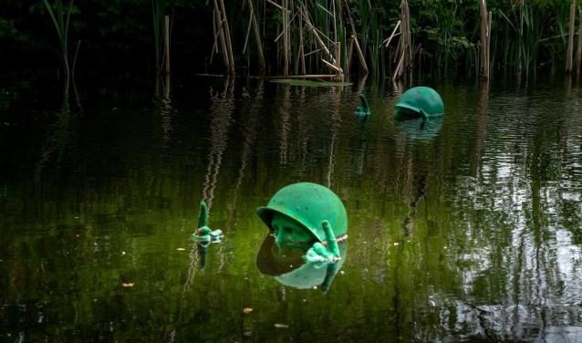 Het kunstwerk 'Tread Water' van Remy Habets. onderdeel van de expositie Heemtuin Verbeeld XI.