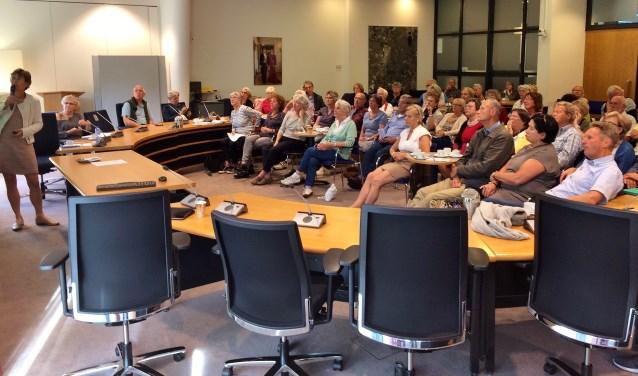 Zo'n zestiggeïnteresseerden waren aanwezig tijdens de Kanrrenhof-presentatie in het gemeentehuis. | Foto PR