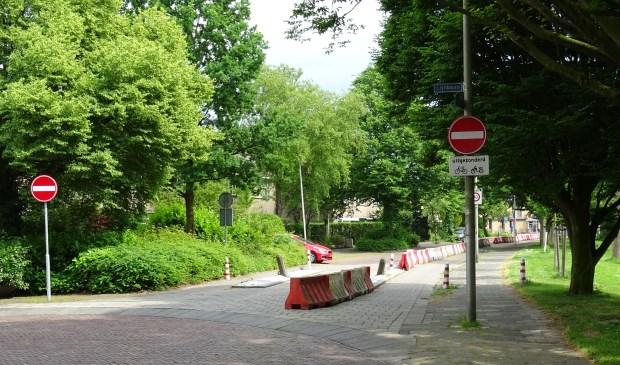 De rood-witte barrières worden binnen enkele weken verwijderd.