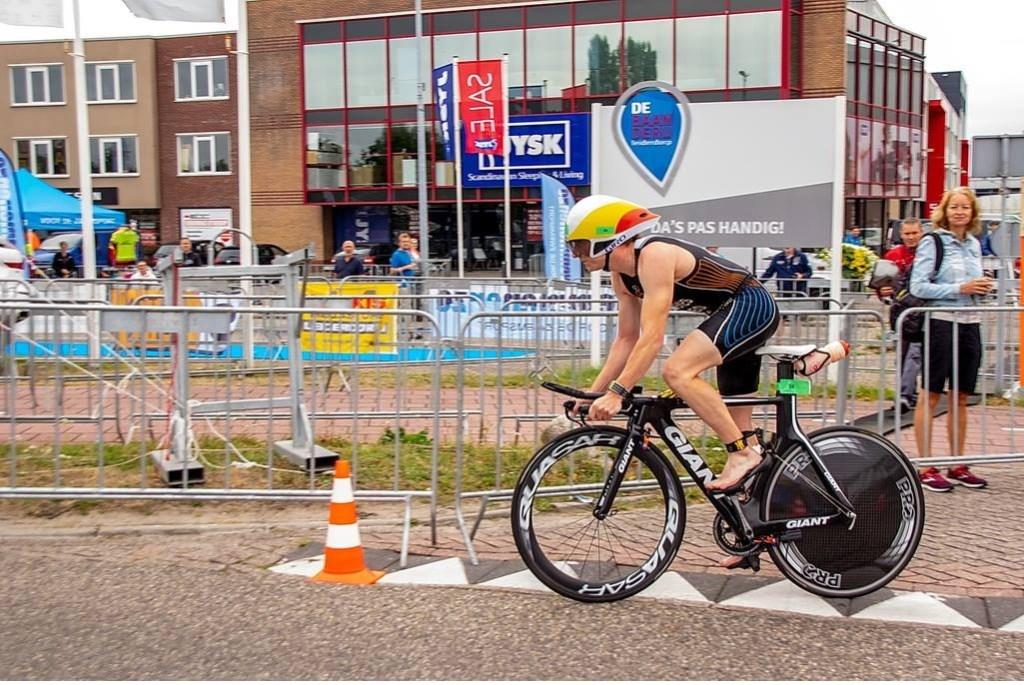 En weg met de fiets! Foto: Johan Kranenburg © uitgeverij Verhagen