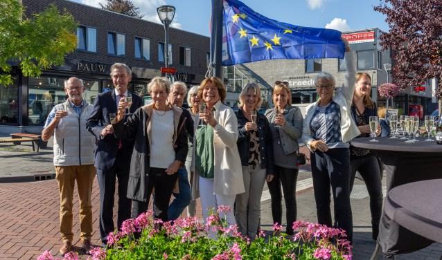 De Kempenaerstraat vlagt mee met het thema Europa.   Foto Wil van Elk