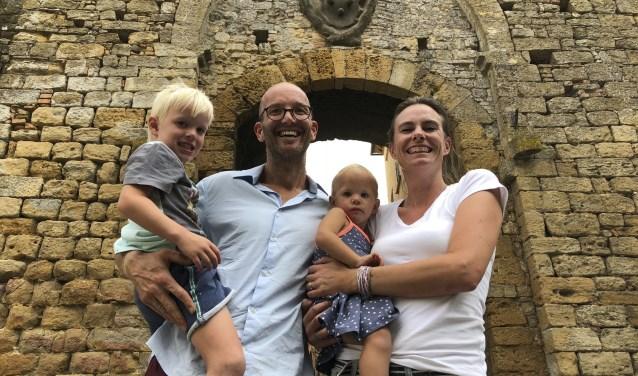 JC en Wendy met hun kinderen Quinten en Vieve.