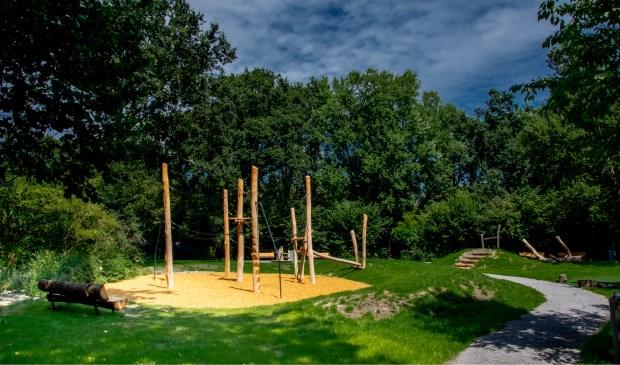 De nieuwe speelplaats in park De Houtkamp.