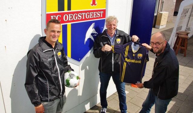Lennart Zomer, Marc du Maine en Jaap van Pampus zijn blij met de goede start van FC Oegstgeest. | Foto Willemien Timmers