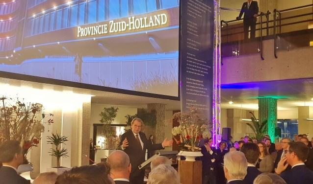 Jaap Smit tijdens zijn toespraak in Oegstgeest.