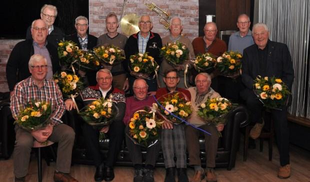 Zittend v.l n r. P. Van der Panne, J.M. van Duijvenbode, C. van Duijvenvoorde, B. Remmelzwaal,  C. Ketting.  Staand v.l n r. A. van der Boon, H.G. van der Hoven, G.M. van der Gugten, K. Heemskerk, IJ. Varkevisser, S. van der Meij, J. van Vliet, J. van Duijn, C. van der Spijk. Niet aanwezig: G.J. den Haan