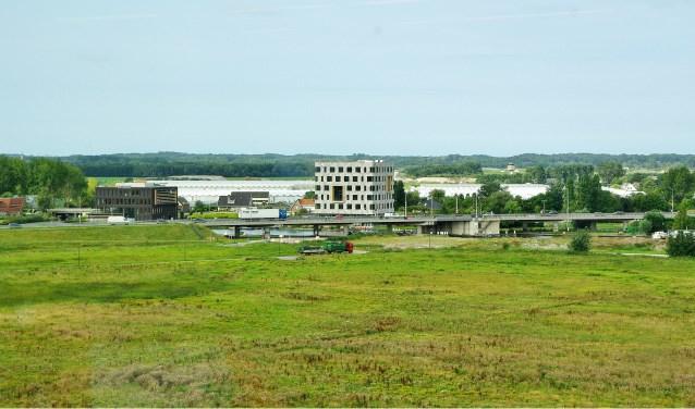 Enkel in Nieuw-Rhijngeest-Zuid komt wel 25 procent sociale woningbouw. | Archieffoto Willemien Timmers