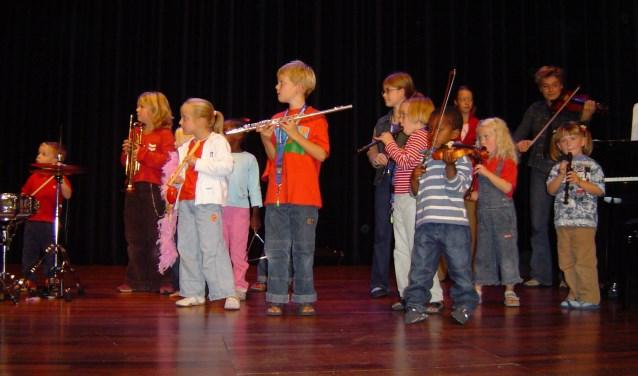 Ook voor kinderen die een instrument willen leren bespelen heeft 't Muzenhuis een leuke aanbieding.
